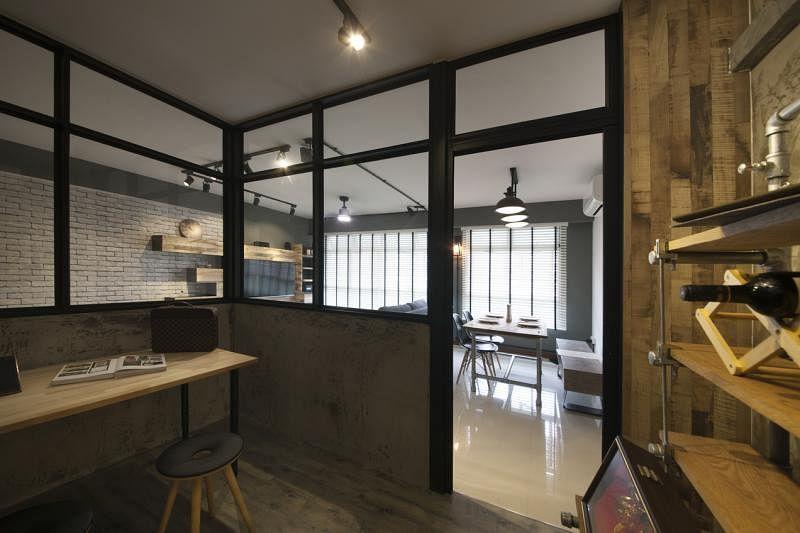 玻璃书房工作室从设计到材质,都结合了工业风与怀旧风。