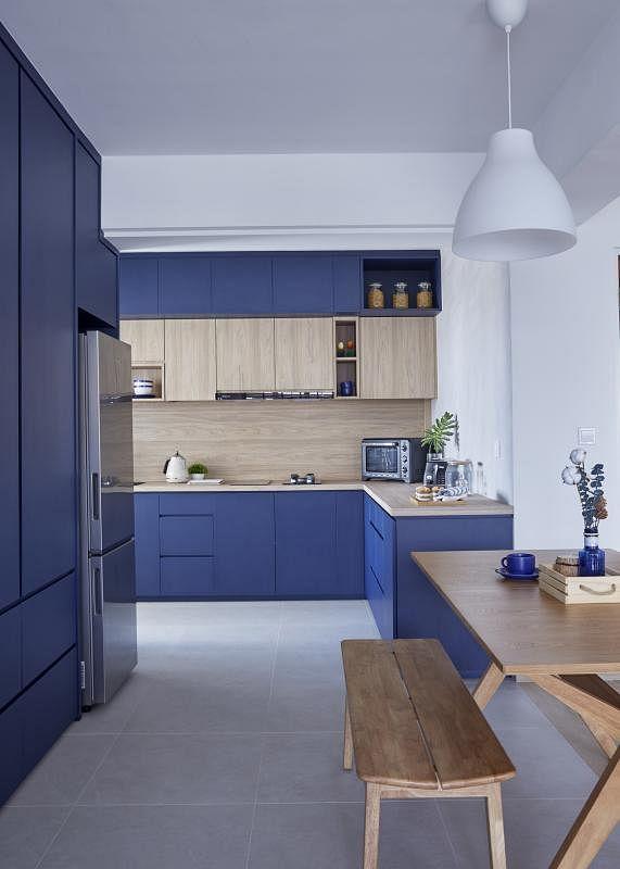 厨房这种功能性空间可用大片重色。