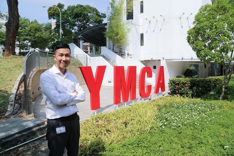 新加坡基督青少年会总裁罗明佑呼吁新加坡人各尽所能,向有需要的人伸出援手,使国人在这次疫情中变得更强大。