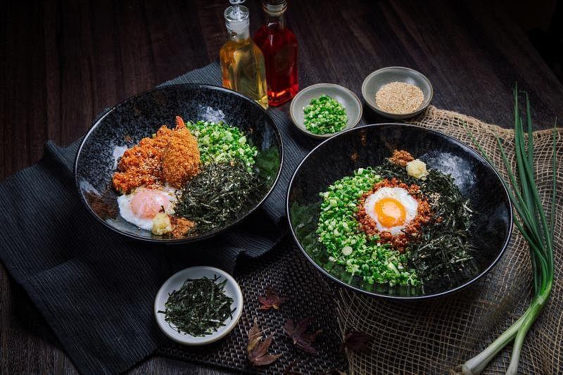 日式干捞拉面以本地人爱吃的肉脞面为灵感。