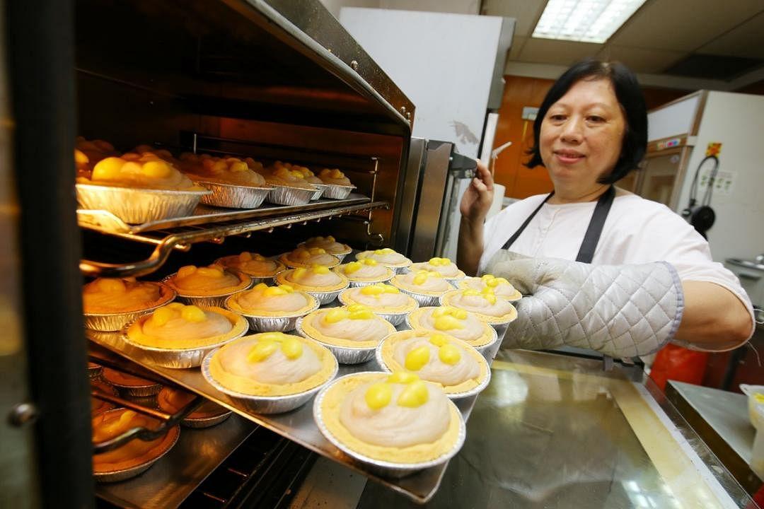 吴惠英透露,芋泥挞的灵感来自多年前的一场喜宴。(何家俊摄)
