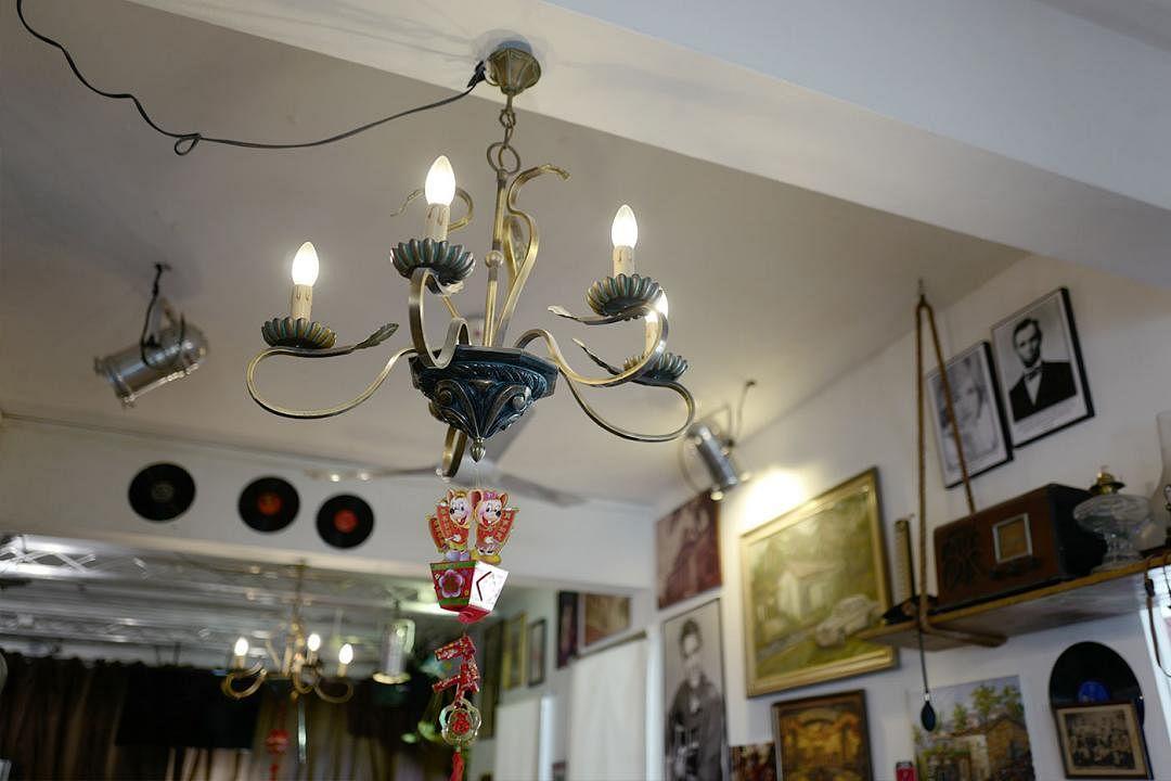 british-hainan-vintage-lamp_Medium.jpg