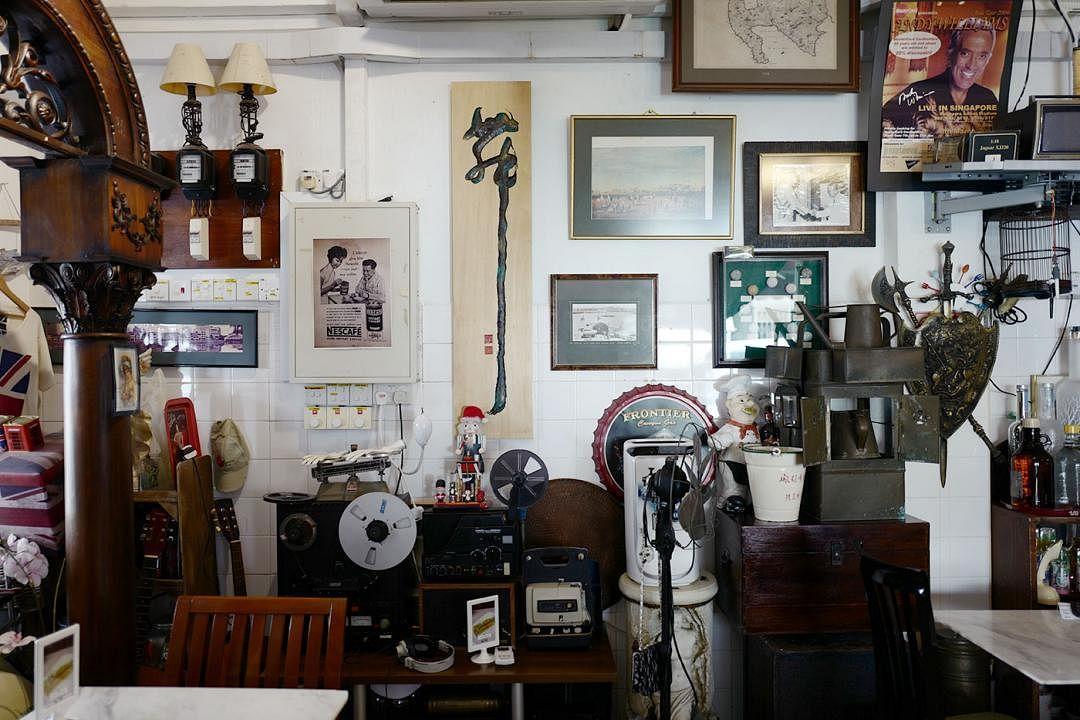 british-hainan-vintage-memory-displays_Medium.jpg