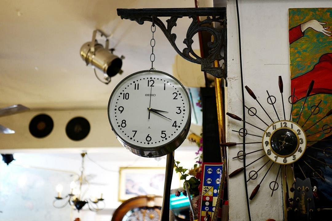 british-hainan-vintage-seiko-clock_Medium.jpg