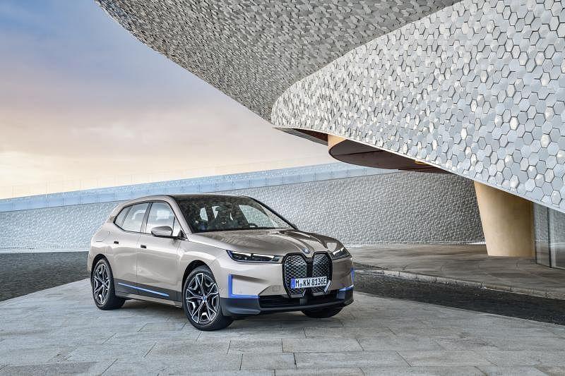BMW iX今年第四季来到我国。(车商提供)