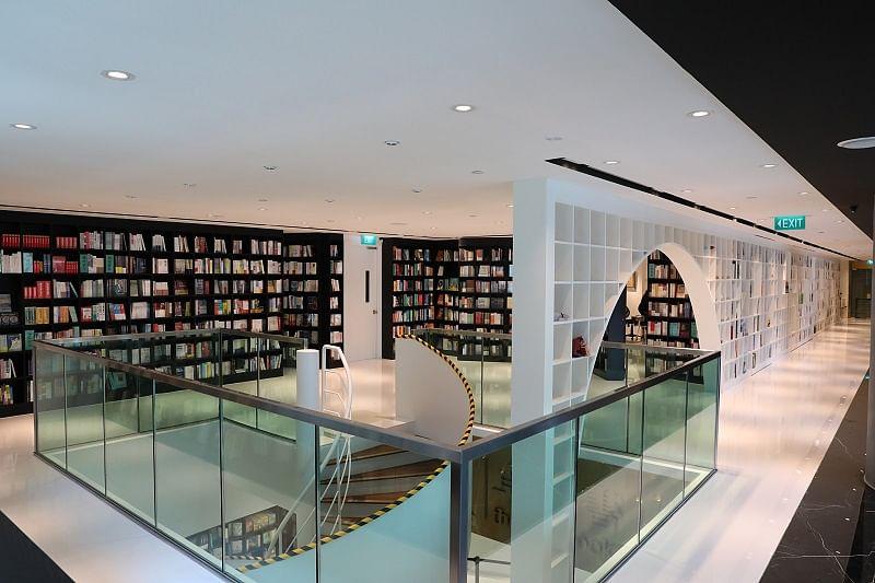 20210301_zall-bookstore.jpg