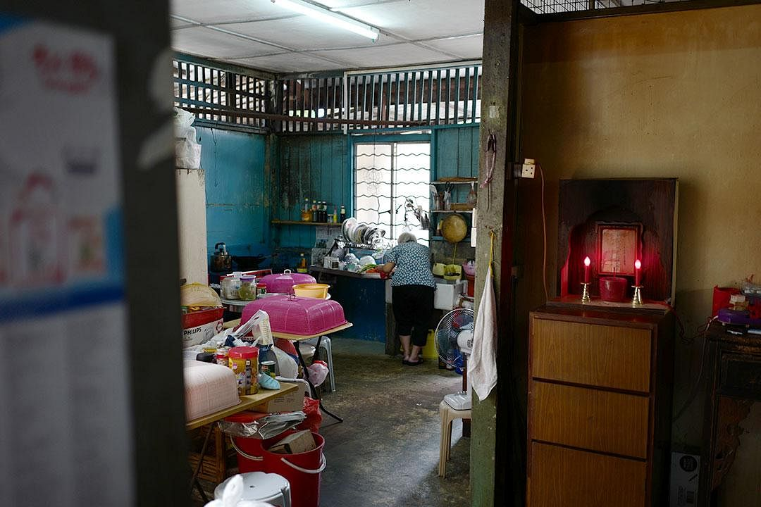 tee-seng-store-ang-lu-heng-wife-in-kitchen_Medium.jpg