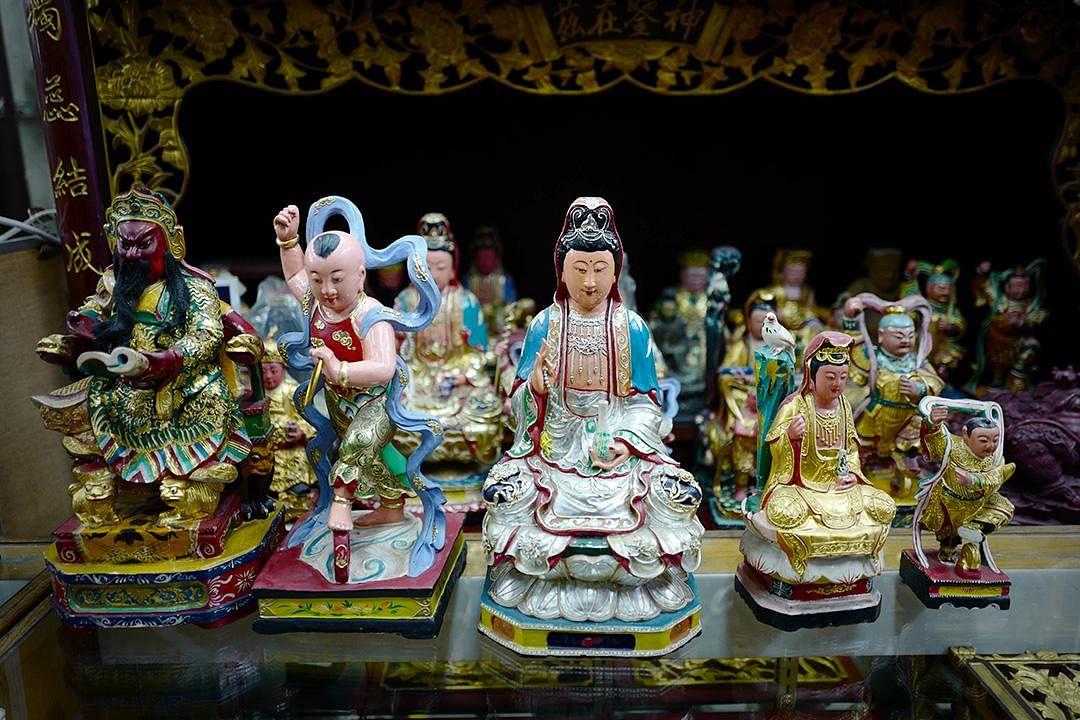 saytianhng-buddha-shop-deities_Large.jpg