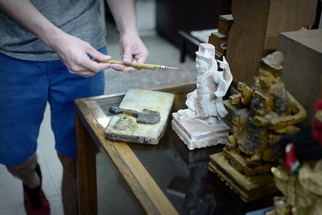 saytianhng-buddha-shop-effigy-making-tools_Large.jpg