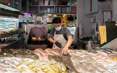 百美集团在德光岛设有渔场,目前,该集团超市高达30%的渔产都来自于自家渔场。(永续发展与环境部提供)